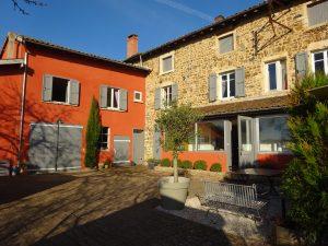 Belles demeures à vendre de 0.17 HA - beaujolais