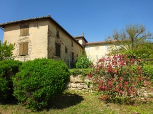 Belles demeures à vendre de 0.24 HA - beaujolais