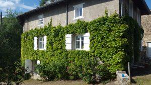 Belles demeures à vendre de 1.4 HA - beaujolais