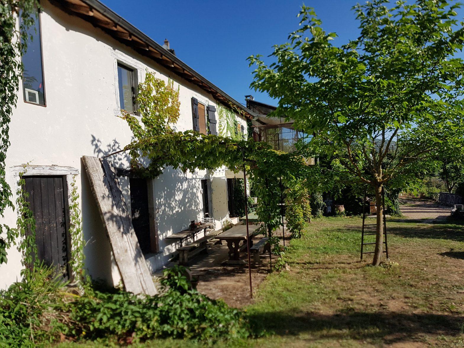Belles demeures à vendre de 1.68 HA - beaujolais