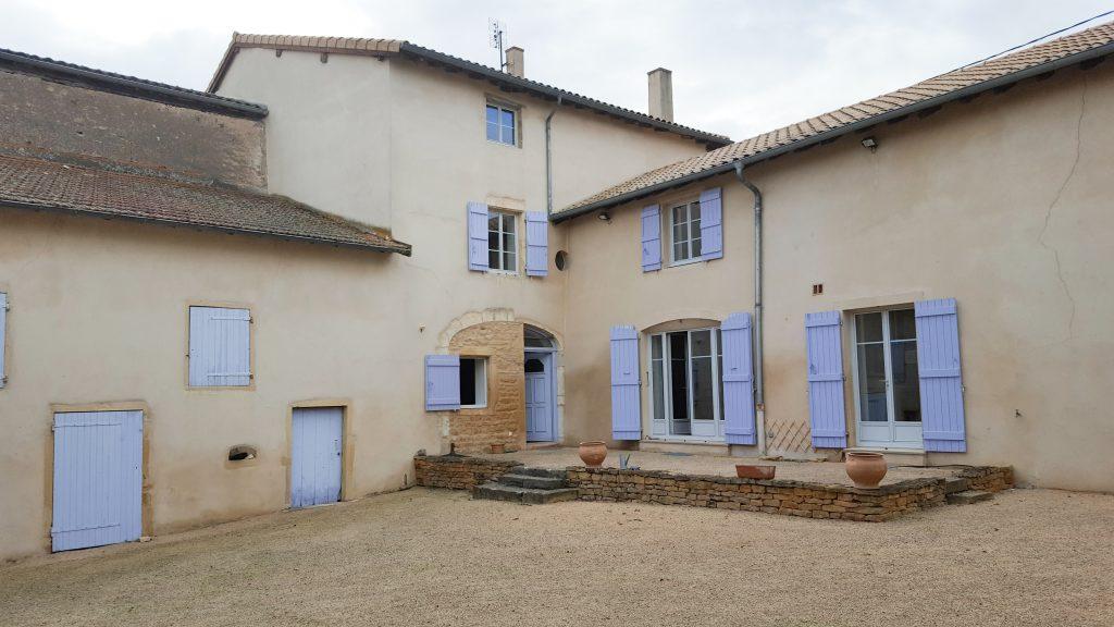 Belles demeures à vendre de 1.85 HA - beaujolais