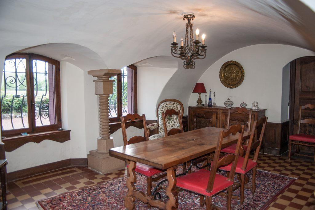 Belles demeures à vendre de 7.21 HA - beaujolais
