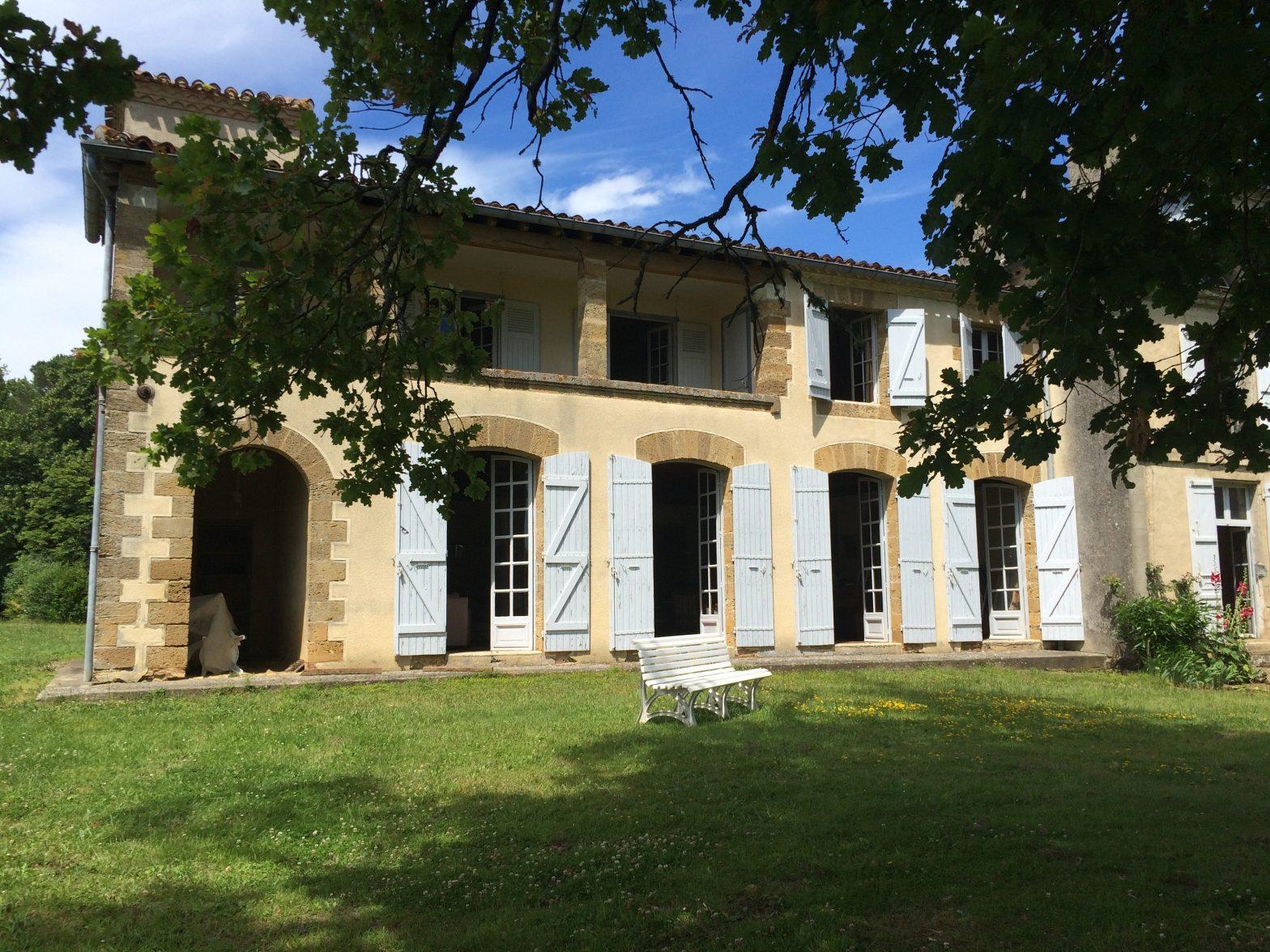 Wine Estates to sell of 37 HA - Bordeaux - 16111 - en