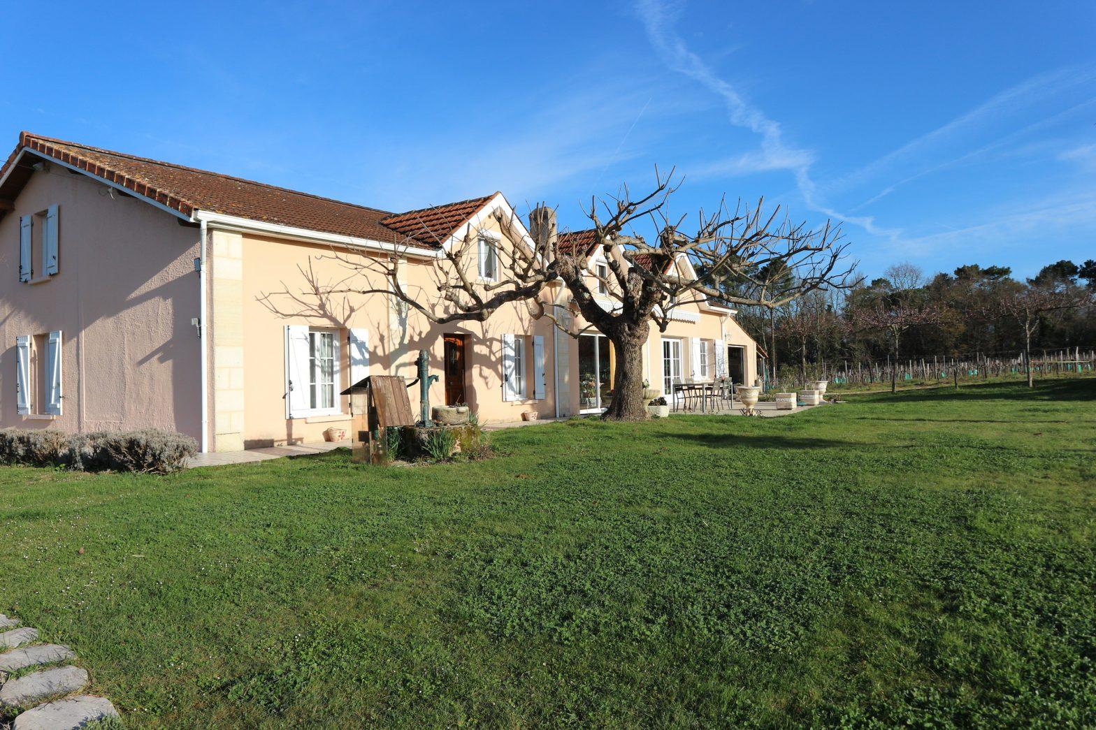 Wine Estates to sell of 8.48 HA - Bordeaux - 18048 - en